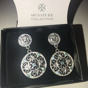 FREE with purchase! Avon Signature Earrings